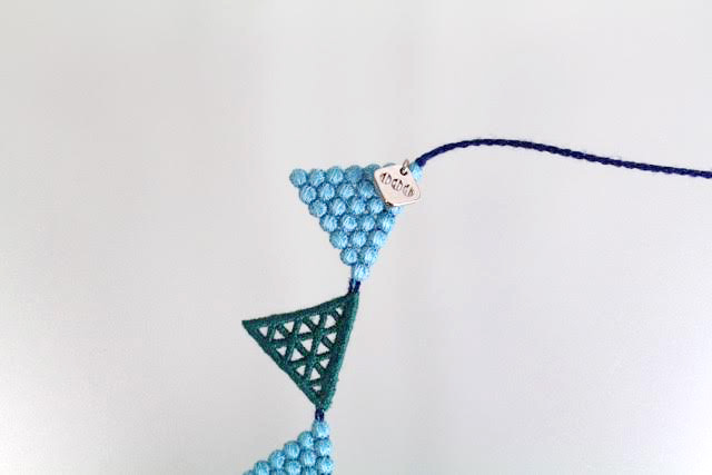 000_lace triangle_bluegreen__3