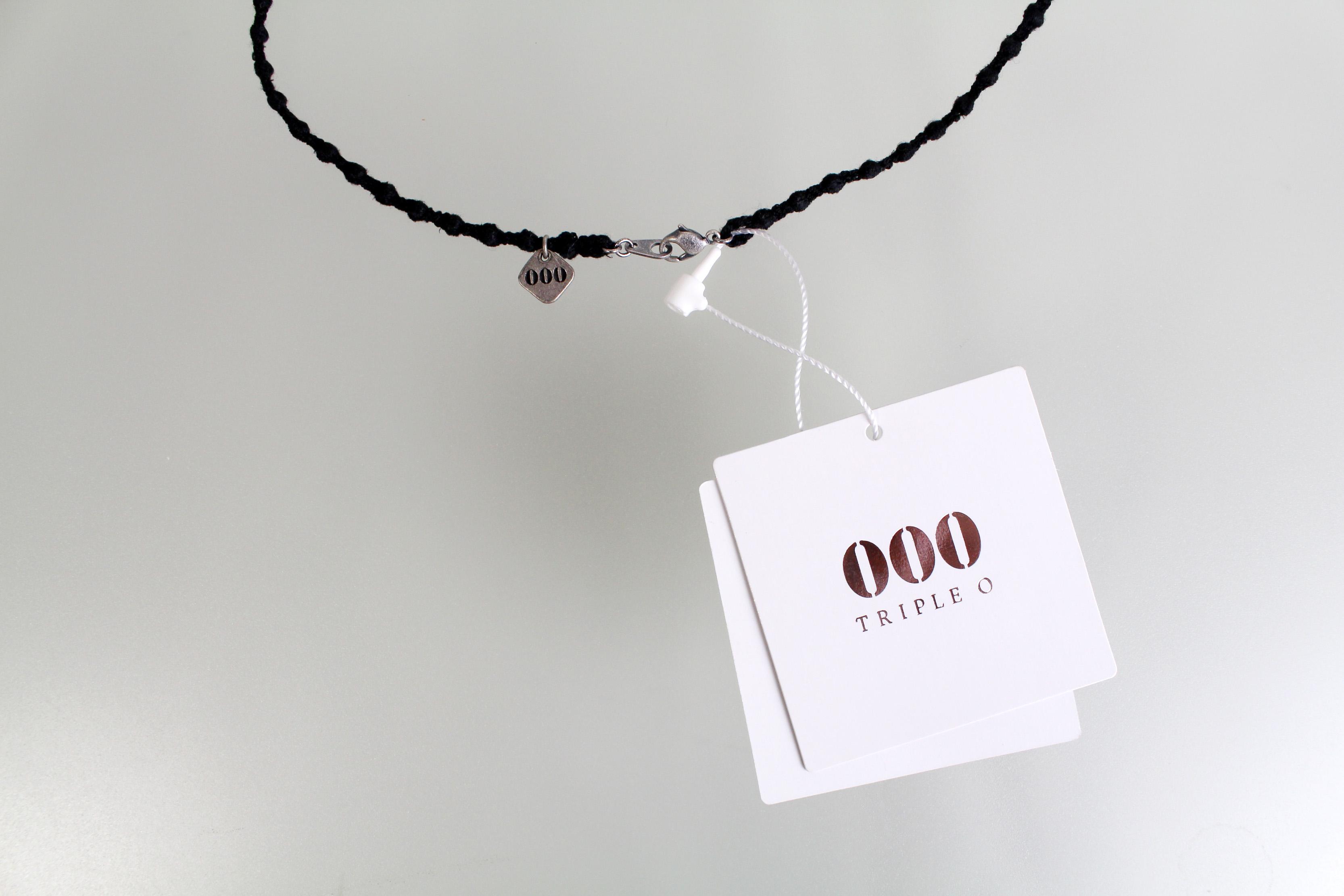 000_pebbletorio_blacksilver